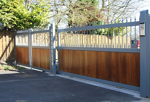 What does it cost to install automatic sliding gates?