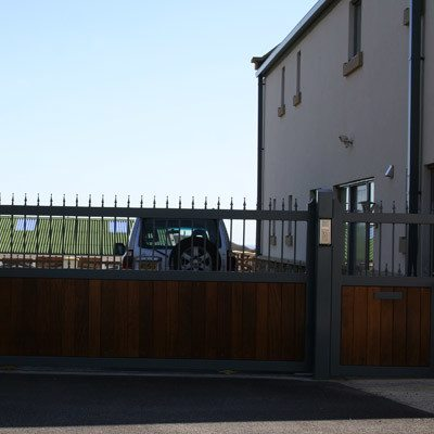 Choosing automatic commercial gates